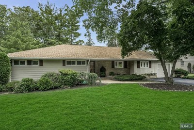 Passaic County Single Family Home For Sale: 39 Witherspoon Road