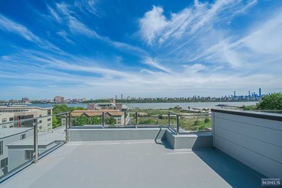 Edgewater Condo/Townhouse For Sale: 154b Undercliff Avenue #A
