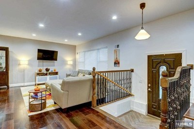 Morris Plains Boroug Single Family Home For Sale: 126 Grannis Avenue