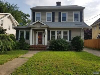 Hackensack Single Family Home For Sale: 98 Cedar Avenue