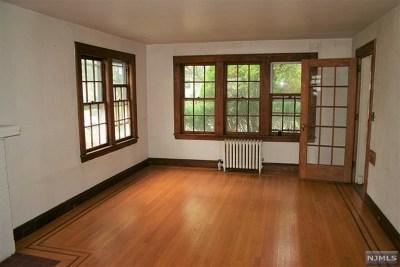 Teaneck Single Family Home For Sale: 543 Sagamore Avenue