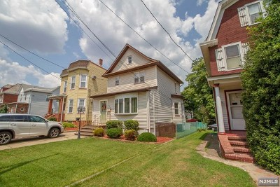 Lyndhurst Single Family Home For Sale: 517 Page Avenue