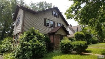 Englewood Single Family Home For Sale: 250 West Hudson Avenue