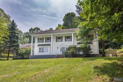 Passaic County Single Family Home For Sale: 71 Alder Avenue