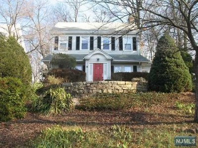 Tenafly Single Family Home For Sale: 55 East Clinton Avenue