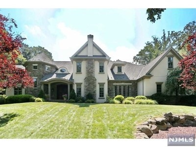Franklin Lakes Single Family Home For Sale: 251 Lynn Drive