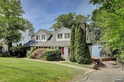 Passaic County Single Family Home For Sale: 126 Long Pond Road