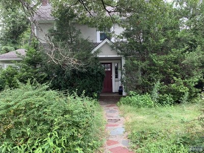 Ridgewood Single Family Home For Sale: 414 South Broad Street