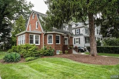 Teaneck Single Family Home For Sale: 160 Hillside Avenue