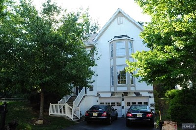 Oakland Single Family Home For Sale: 1 Hunters Run