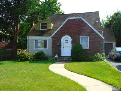 Teaneck Single Family Home For Sale: 20 Fenimore Road