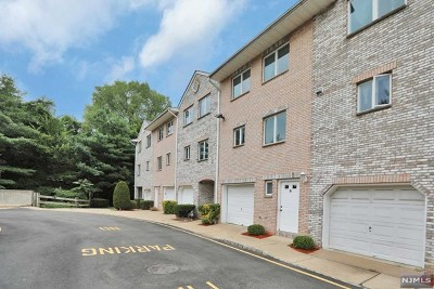 Leonia Condo/Townhouse For Sale: 147 Schor Avenue #8