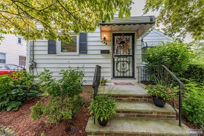 Bergenfield Single Family Home For Sale: 138 River Edge Road