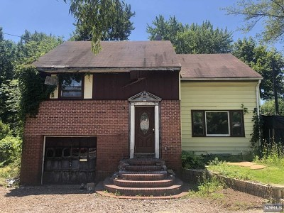 Teaneck Single Family Home For Sale: 124 Garden Street