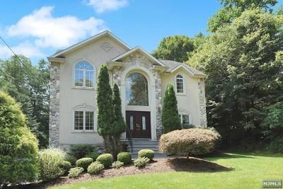 Upper Saddle River Single Family Home For Sale: 76 Sparrowbush Road