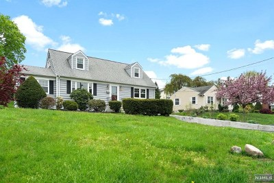 Wyckoff Single Family Home For Sale: 36 Ravine Avenue