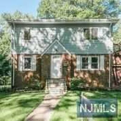 Teaneck Single Family Home For Sale: 1692 Fairfield Street