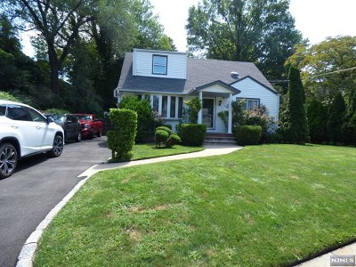 Leonia Single Family Home For Sale: 653 Grand Avenue