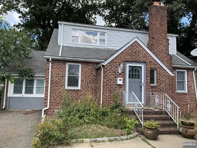 New Milford Single Family Home For Sale: 355 Milford Avenue