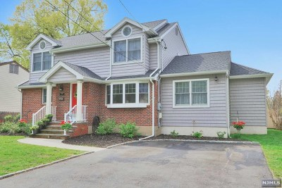 Dumont Single Family Home For Sale: 11 Lexington Avenue