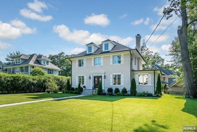 Ridgewood Single Family Home For Sale: 296 Woodside Avenue