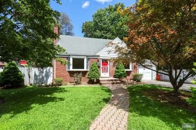 Dumont Single Family Home For Sale: 190 Magnolia Avenue