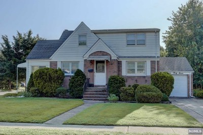 Fair Lawn Single Family Home For Sale: 13-47 Hedman Place