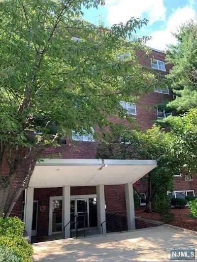 Fort Lee Condo/Townhouse For Sale: 1565 Center Avenue #5c