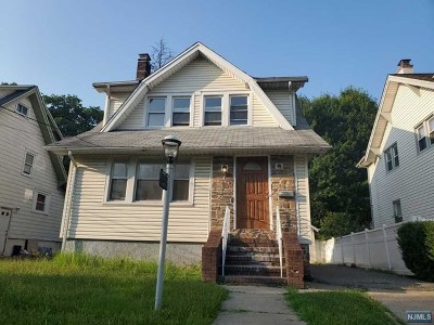 Teaneck Single Family Home For Sale: 117 Degraw Avenue