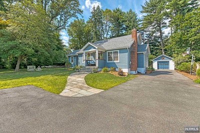 Mahwah Single Family Home For Sale: 9 Constable Court