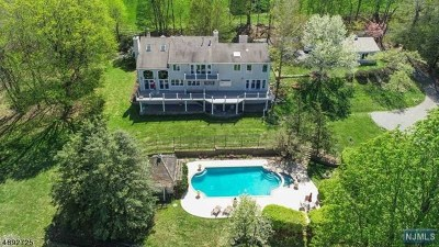 Morris County Single Family Home For Sale: 590 Cherry Lane