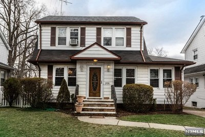 Teaneck Single Family Home For Sale: 883 Garrison Avenue