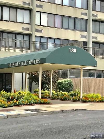 Passaic Condo/Townhouse For Sale: 170-202 Lafayette Avenue #11i
