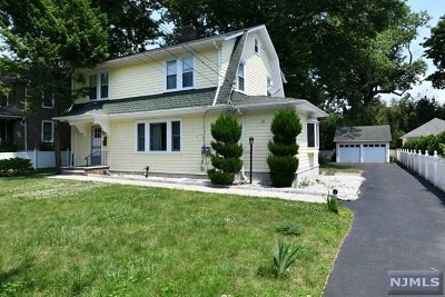 Ridgewood Single Family Home For Sale: 145 North Walnut Street
