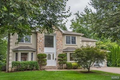 Paramus Single Family Home For Sale: 429 Beech Avenue