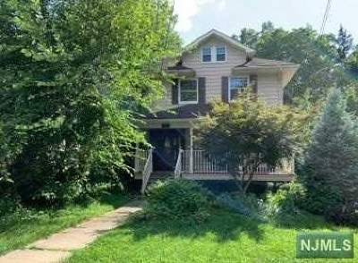 Leonia Single Family Home For Sale: 176 Christie Street