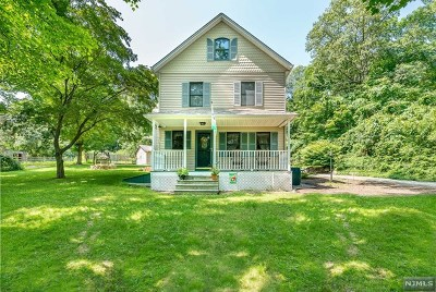 West Milford Single Family Home For Sale: 307 Wooley Road