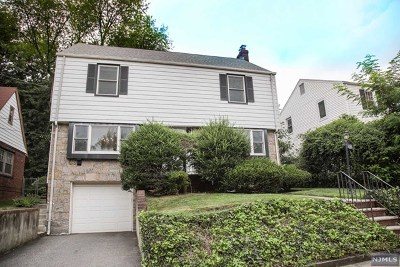 Teaneck Single Family Home For Sale: 856 Prince Street