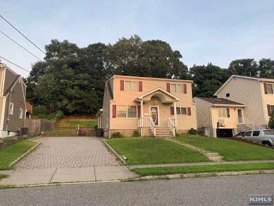 Passaic County Single Family Home For Sale: 21 Robinson Drive