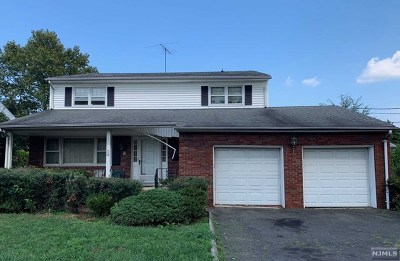 Fair Lawn Single Family Home For Sale: 10-09 Saddle River Road