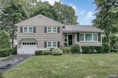 Ridgewood Single Family Home For Sale: 561 Lynn Street