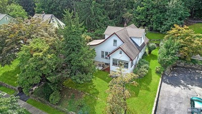 Passaic County Single Family Home For Sale: 53 Hillside Drive