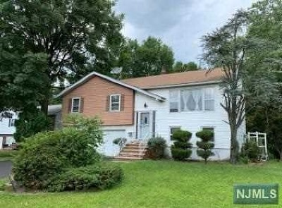 Leonia Single Family Home For Sale: 51 Ray Avenue