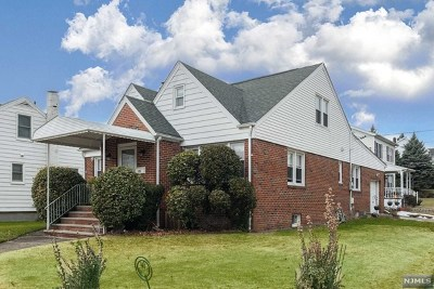 Bergen County Single Family Home For Sale: 19 Boulevard
