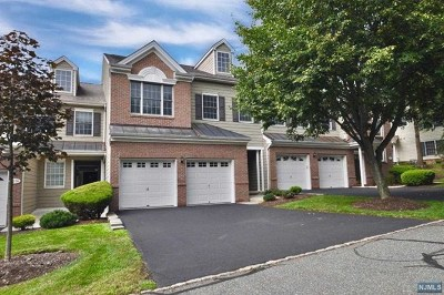 Bergen County Condo/Townhouse For Sale: 25 Pine Lake Terrace