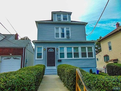 Essex County Single Family Home For Sale: 31 Witherspoon Street