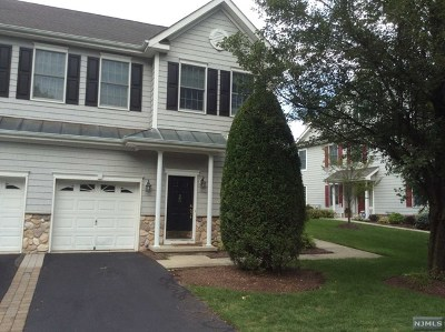 Bergen County Condo/Townhouse For Sale: 26 Spring Hollow Road