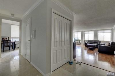 Cliffside Park NJ Condo/Townhouse For Sale: $429,000