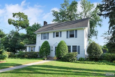 Ridgewood NJ Single Family Home For Sale: $649,900