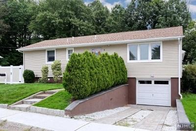 Elmwood Park Single Family Home For Sale: 5 Bredder Court